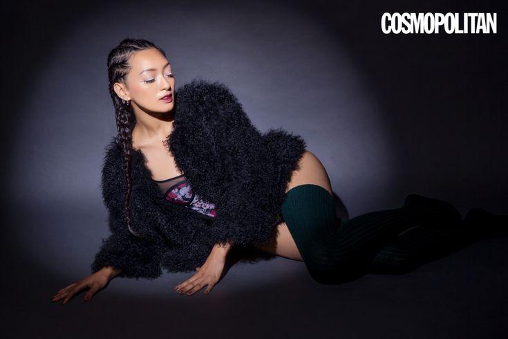 Sejak penampilannya yang menakjubkan di film Setan Jawa karya legenda Garin Nugroho, Cosmojadi terpikat dengan Asmara Abigail - bukan karena kecantikannya saja, tapi juga karena talentanya dalam berbahasa Italia dan menari tango, flamenco dan pole dance. Itulah yang membuat aktris kelahiran tahun 1992 ini berbeda dari yang lainnya.  Setelah Cosmo berbincang denganAsmarasoal kecintaannya terhadap menari, Italia dan Indonesia, signora ini mengungkapkan 9 fakta random dan menarik…