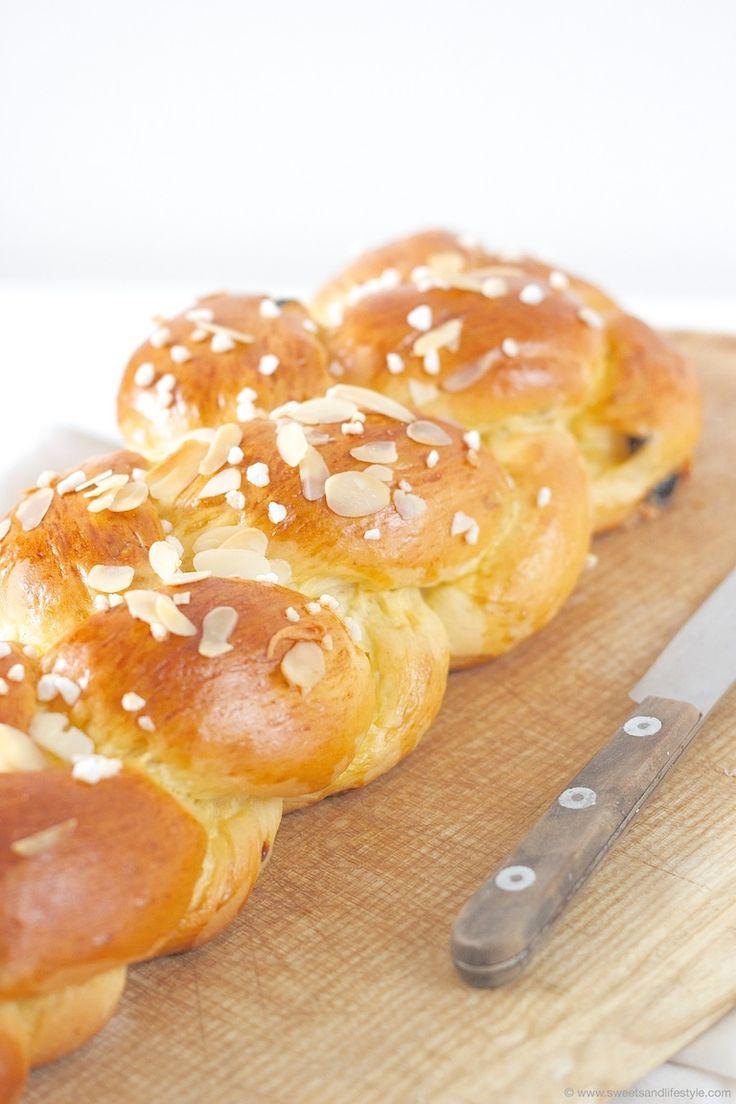 Brioche Striezel (Hefezopf) zum Frühstück schmeckt immer. Wie ihr einen 4-Strang-Striezel flechtet, könnt ihr am Blog erfahren.