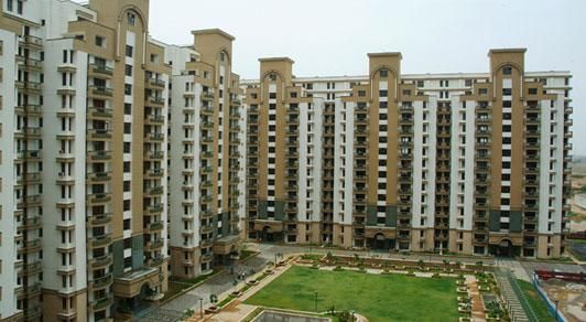 Panchsheel Pinnacle the most precious project of Noida Extension to deliver 2/3 BHK residential apartments. These apartment are building in 4 towers to produce more than 350 units of small size and large size layouts.
