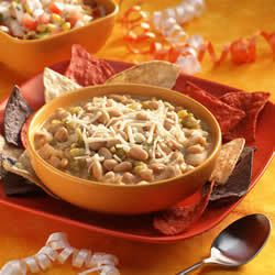 White Bean Turkey Chili Skinnytaste.com Servings: 14 • Serving Size: 1 cup • Points +: 5 pts • Smart Points: 5 Calories: 211.5 • Fat: 5.4 g • Protein: 22.5 g • Carb: 23.7 g • Fiber: 8.4 g