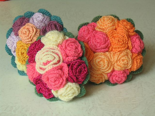 Free pattern for bouquet of roses on Ravelry: comtess' bouquet de mariée