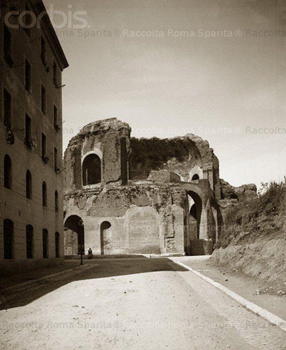 Tempio di Minerva Medica (ninfeo degli Horti Liciniani) visto da Via Pietro Micca