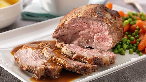 Kan het nog Belgischer? Een recept voor traditioneel varkensgebraad in de oven met mosterd voor een pikante toets en suiker voor een zoete toets. Smakelijk!