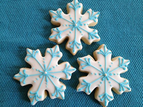 Blue and White Snowflake Cookies: White Snowflakes, Christmas Cookies, Holidays Cookies, Snowflakes Cookies, Years Cookies, Cookies Snowmen, Google Images Com, Cookies Receipt, Snowflake Cookies