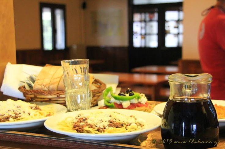 Φαγητό και ποτά, καταφύγιο Φλαμπούρι