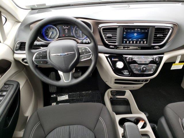 2020 Chrysler Voyager L Chrysler Voyager Voyage Jeep