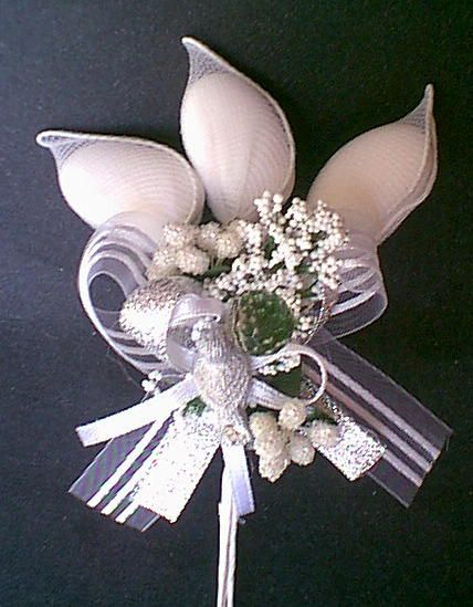 wedding favors jordan almonds | Fancy White & Silver Jordan Almonds Favor | MonsterMarketplace.com