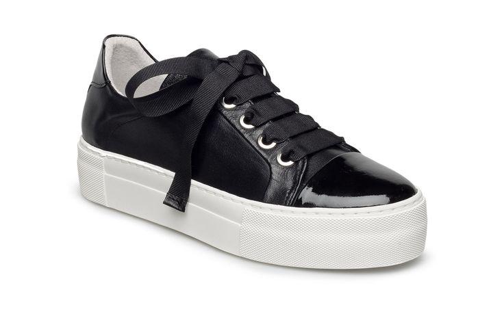 Vi har Billi Bi Shoes (Navy Patent/nappa 271) i lager på Boozt.com, för enbart 1399 kr. Senaste kollektionen från Billi Bi. Shoppa tryggt & säkert, snabb leverans.
