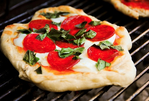 Grill yourself a Pizza! | www.memd.me