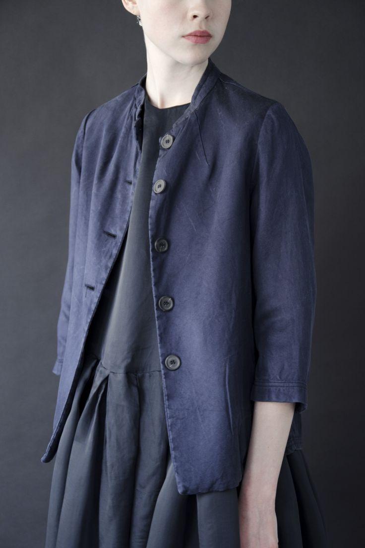 Egg   five   Navy jacket   Dark blue dress