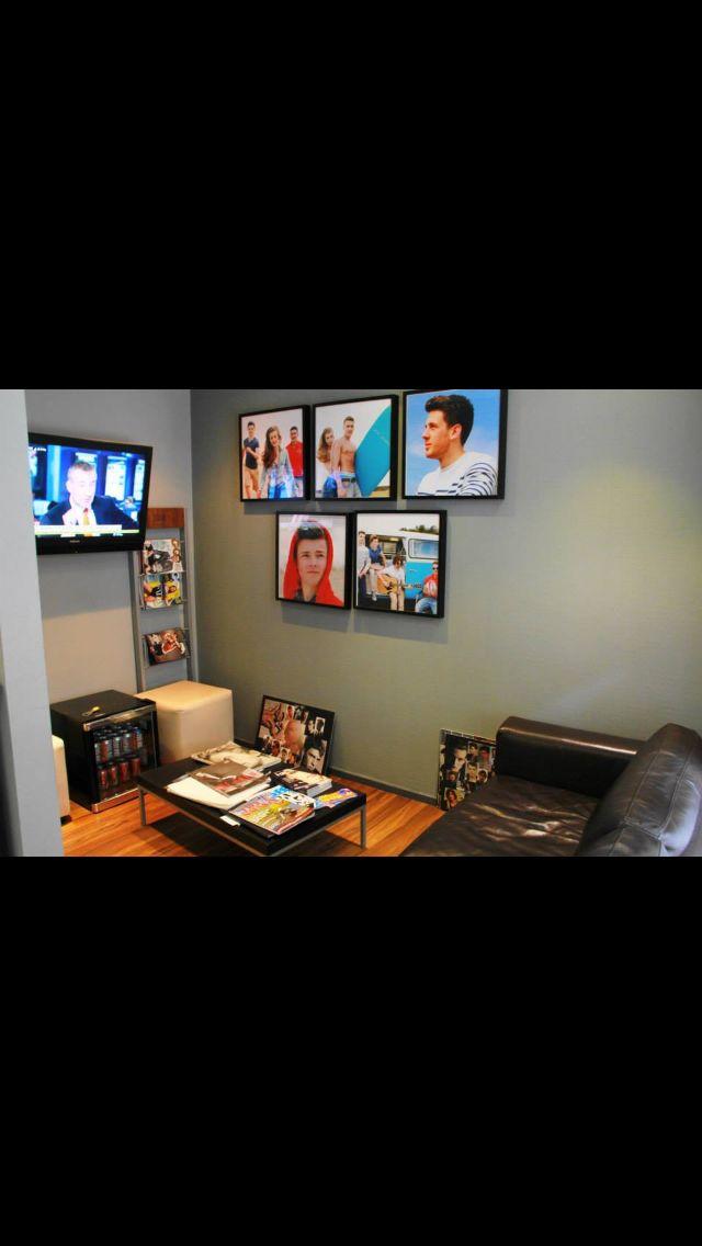 Salon Waiting area.