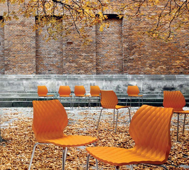 25 best images about chaise design uni on pinterest restaurant bar and design. Black Bedroom Furniture Sets. Home Design Ideas