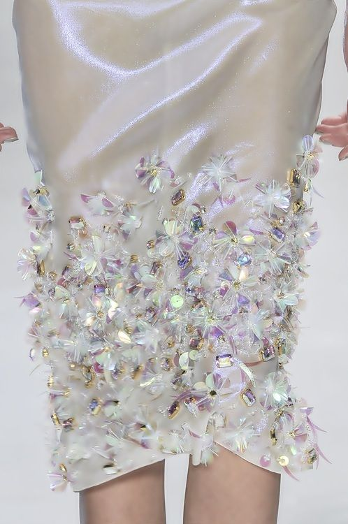 love the sparkles on this hemline  #Wagner Kallieno s/s 2015