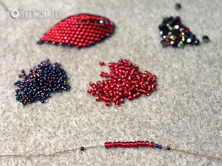 Russian Leaf Tutorial in Polish.  slightly different center treatment than some of the other tutes.  ~ Seed Bead Tutorials