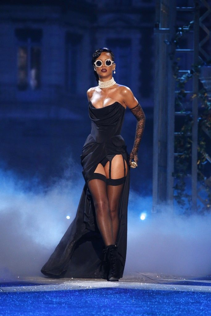 Rihanna at Victoria's Secret Fashion Show 2012 Viv Westwood dress Chanel jewelry and glasses / love the glassessss!