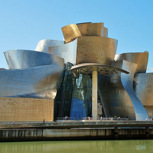Museo Guggenheim Avenida Abandoibarra, 2. Bilbao. Euskal Herria. Euskadi.   Arquitecto Frank O. Gehry
