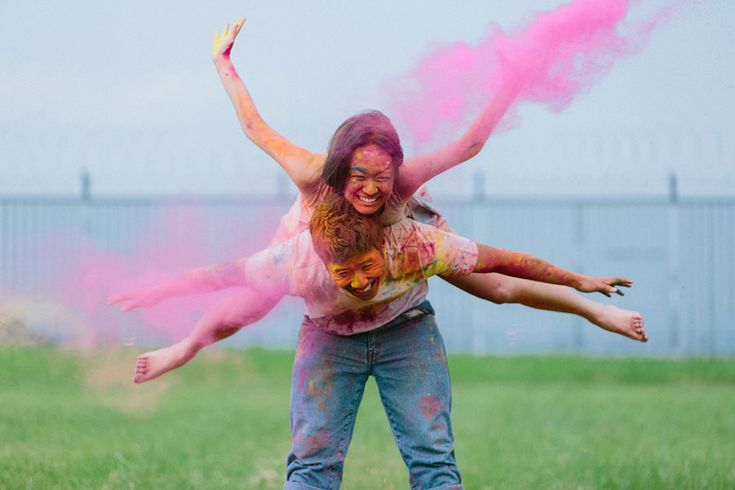 Love The Color Run? Then you'll surely be captivated by the playful couple we're featuring in today's post. Jessica was inspired by Holi or the Festival of Colours during the time she spent in India, and decided to recreate her own version of the colourfest with Samuel for their engagement session. We simply adore this dynamic duo's boundless energy - and check out those colours beautifully captured by Bobby Kiran Yeo.