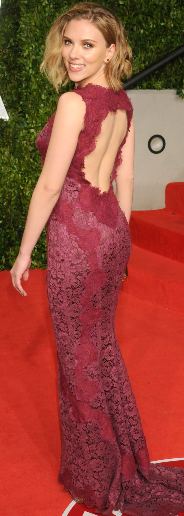 Scarlett Johansson's lace gown was extra sexy with an open keyhole back