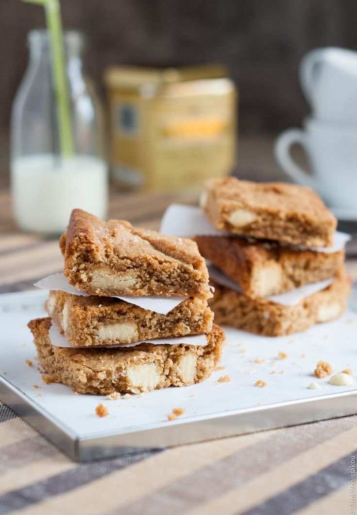Blondies με Φυστικοβούτυρο και Λευκή Σοκολάτα - Peanut Butter Blondies with White Chocolate (in Greek) | The Foodie Corner www.thefoodiecorner.gr