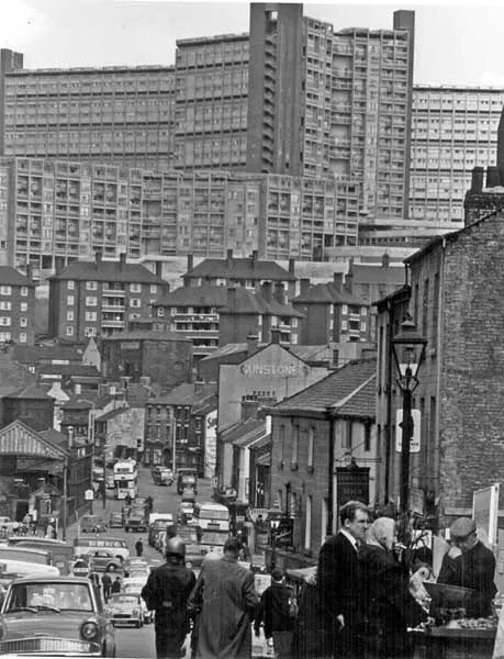 Looking towards to the current home of TSYHQ  Sheffield's Park Hill flats #sheffield #socialsheffield