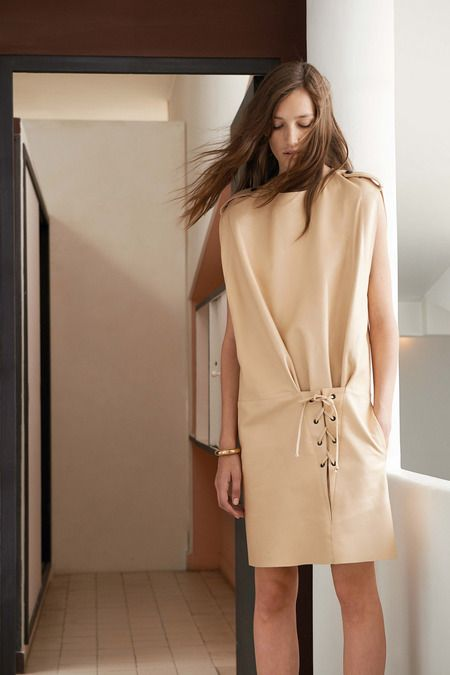 Chloé - Resort 2015  http://www.style.com/fashionshows/complete/slideshow/2015RST-CHLOE/
