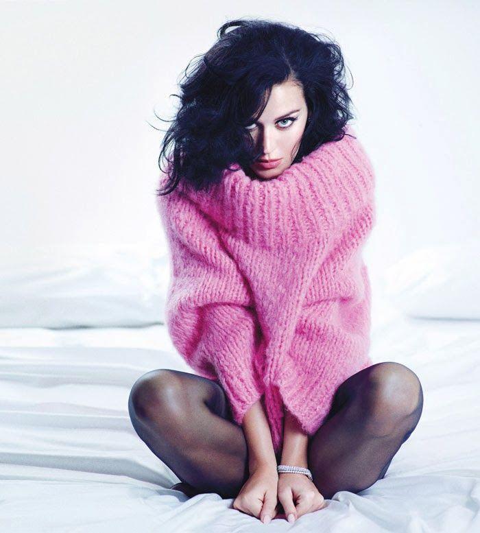 Розовый свитер крупной вязки | Katy Perry: