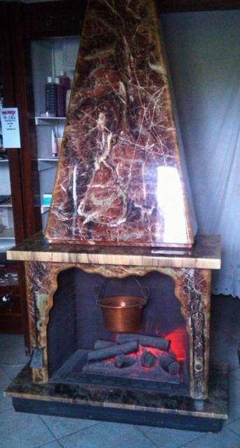 Le 25 migliori idee su caminetti di marmo su pinterest for Piano anteriore del camino