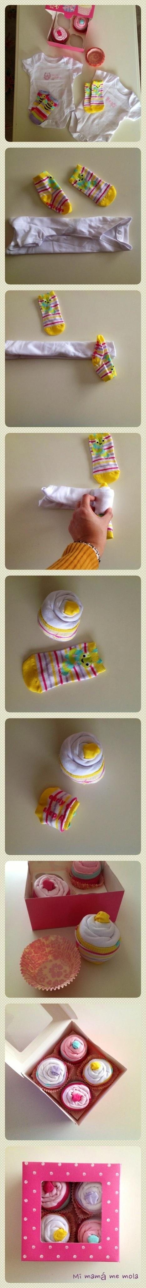 Cupcakes hechos con calcetines y bodies para bebés. Idea original para regalo de recién nacido. http://mimamamemola.wordpress.com