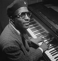 Thelonious Sphere Monk (10 octobre 1917–17 février 1982) est un pianiste et compositeur de jazz américain célèbre pour son style d'improvisation, ainsi que pour avoir écrit de nombreux standards de jazz.