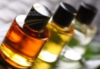 stránka plná dobrých receptov na výrobu domácich éetrických olejov, mastí, tinktur, popísané rôzne spôsoby na výrobu esencialnych olejov :D
