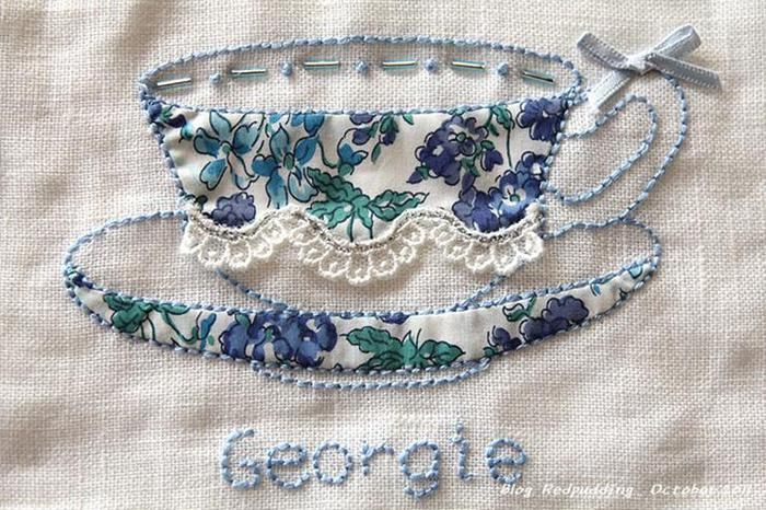 Embroidered teacup - the choice of fabric is also very important.