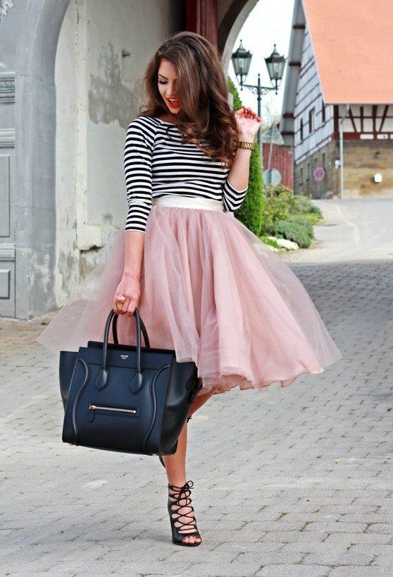 Black and White Stripes, Poufy Skirt, strappy sandals! Omg love everything about this outfit.