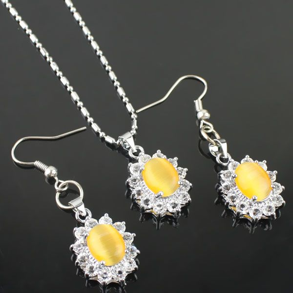 Jaune diamant de mode fixe de la chaîne