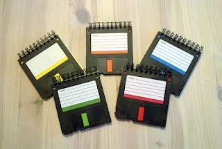 """Levykevihkot ----- Notepads made out of recycled 3,5"""" floppy discs"""