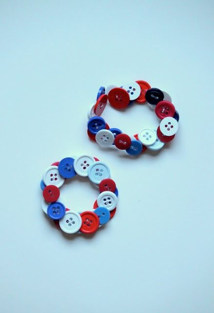 [dandee]: 4th of July Crafts for Children. Button bracelet - red and white (clear?) for Canada Day