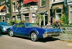 Oldsmobile Toronado (GM 1966-1992) • maybe American Classic but such an awkward, ugly, immature, unfinished, unslick, raw, unrefined, heathen design – no matter if Jay Leno collects it