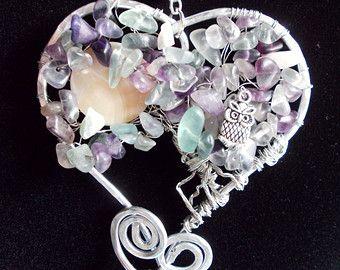 Ciondolo wire, albero della vita, forma cuore, alluminio, chips pietra dura naturale, disco madreperla, charm, perla agata