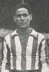 Floriano Pereira foi um dos principais futebolistas que representou o Futebol Clube do Porto no início da sua existência. Na década de 1910 ajudou a conquistar a Taça José Monteiro da Costa, o Campeonato do Norte, Campeonato do Porto e ainda algumas Taças, como a da Associação de Futebol do Porto, Taça de Honra, Taça Jornalistas Sportivos e Taça Salão Sport. Em 1920, no dia 4 de abril, alinhou na equipa que em Lisboa derrotou pela primeira vez o S.L. Benfica, por 3-2. Com golos de Alexandre…