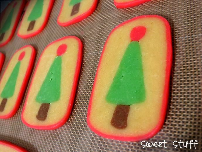Hidden Surprise Cookies - christmas tree  #hiddensuprise #christmascookies #sweetstuff