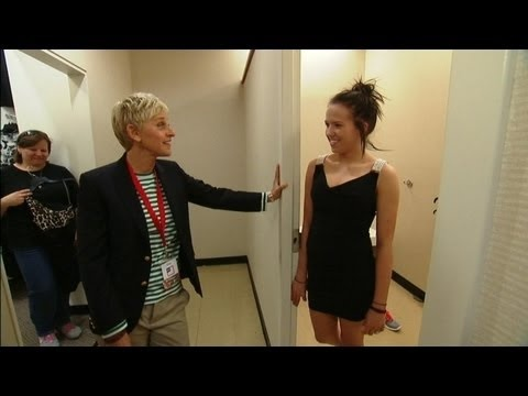 Ellen Degeneres goes back to her first job, JCPenney...this is really funny:D