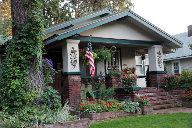 8 Of The Most Common House Styles In America Rent Jungle Craftsman Style House Plans Craftsman Style Homes House Plans With Photos