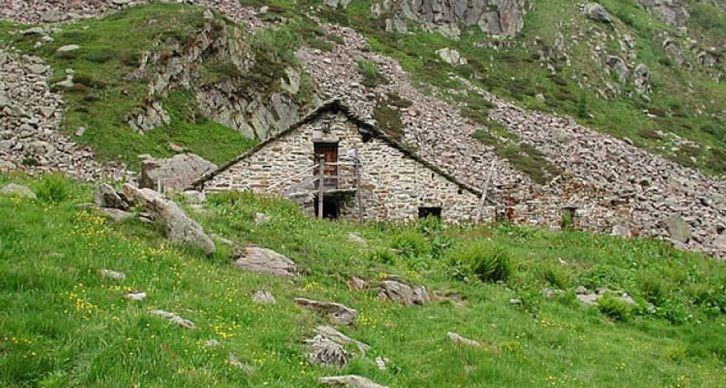 RICOVERO ALPINO ALPE TOSO - Il punto d'appoggio della Val Sorba a 1649 m.