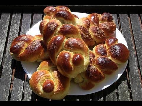 Trenzas de brioche. http://www.isasaweis.com/cocina-y-dietetica/recetas/dulces/video/trenzas-de-brioche