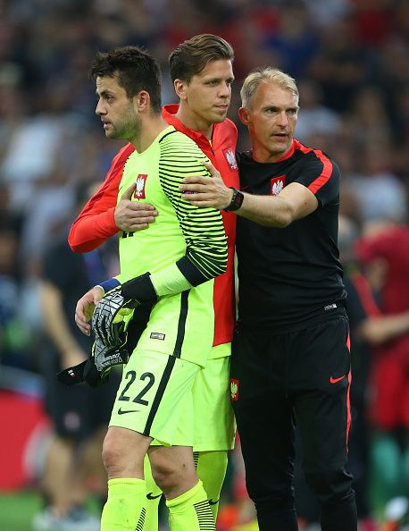 #EURO2016 Lukasz Fabianski of Poland is consoled by Wojciech Szczesny of Poland during the UEFA Euro 2016 quarter final match between Poland and Portugal at...