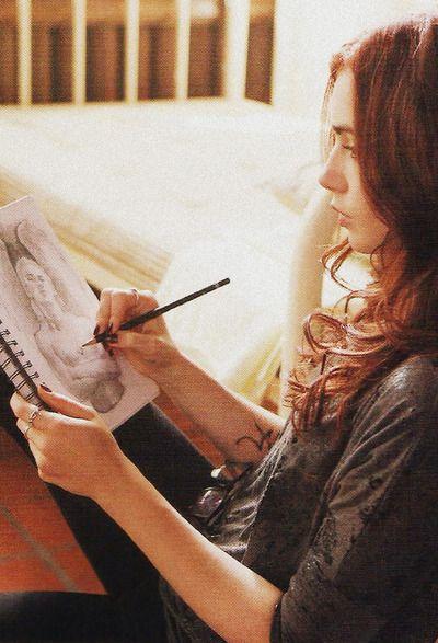 """""""Aveva un mondo nelle mani che le permettevano di disegnare con una fragilità tale da far luccicare a chiunque gli occhi."""""""