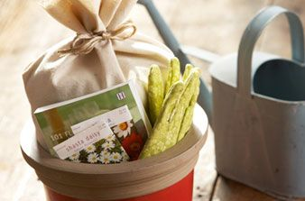 Homemade Gift Basket Ideas- for friends, new grads, brides- #diy #gifts