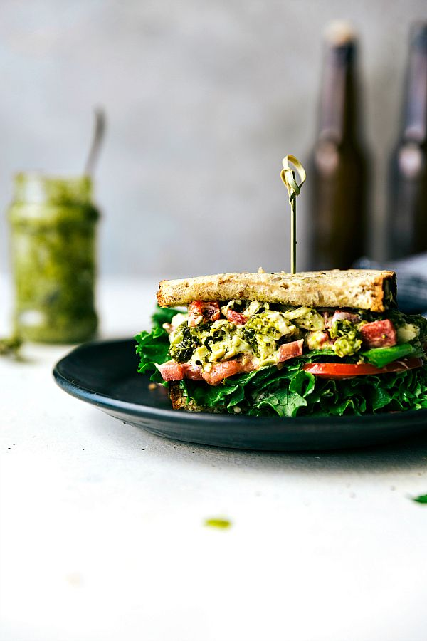 10-minute easy and quick pesto chicken salad sandwiches with roasted red pepper. Healthy and delicious! via chelseasmessyapron.com