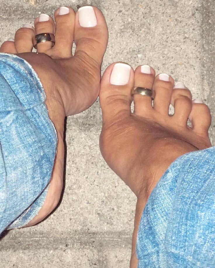 "232 Me gusta, 5 comentarios - highheels love (@shoeslove18) en Instagram: ""#sexyfeet #feetporn #feetfetish #shoesporn #highheels #feetjob #sexyfeet #feetporn #sexywoma #shoes…"""