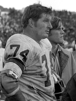 Bob Lilly | bob lilly nfl hall of fame bob lilly s nickname came naturally mr ....THis picture was taken during 1970 NFC Championchip game