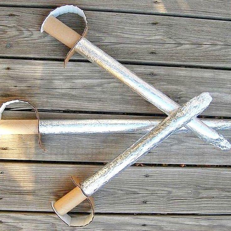 Giochi per #bambini: le spade con il riciclo di #rotoli di #carta #riciclocreativo